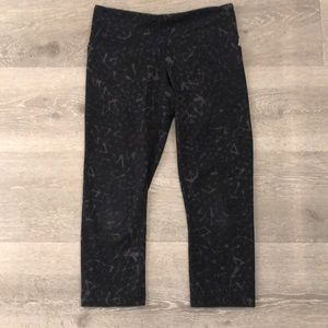 "Lululemon ""Constellation"" 3/4 Capri leggings"